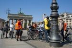Kopie von Gruppe Brandenburger Tor_Laternenmast